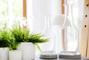 butelka-szklana-z-podstawa-betonowa-bottle.6