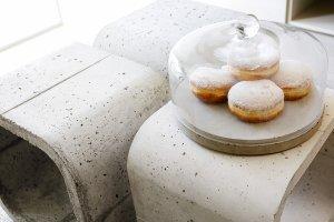 patera-szklana-z-podstawa-betonowa-cake